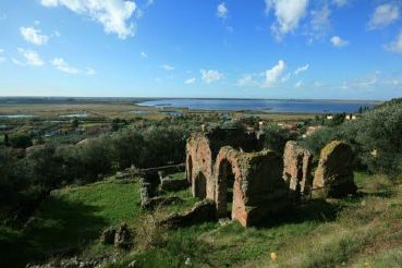 Visit Massarosa | What to see in Massarosa: Massaciuccoli Lake and the Roman villa